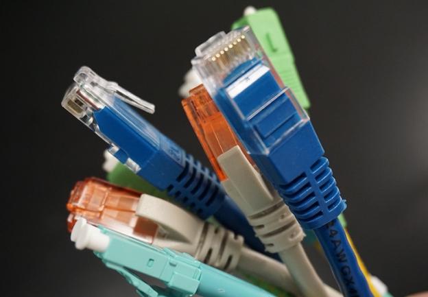 <p>Redes estruturadas de cablagem UTP ou ficbra &oacute;tica.</p>